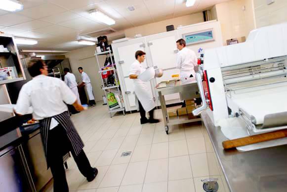 Pasteleria gastronomica dol par yann duytsche - Restaurante materia prima sant cugat ...